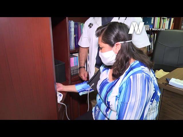 Toma de la presión, herramienta para detectar la hipertensión arterial.