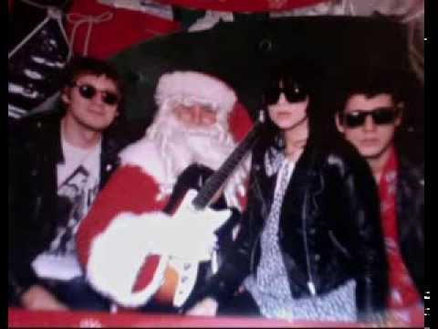 Crocodiles & Dum Dum Girls - Merry Xmas, Baby (Please Don't Die)