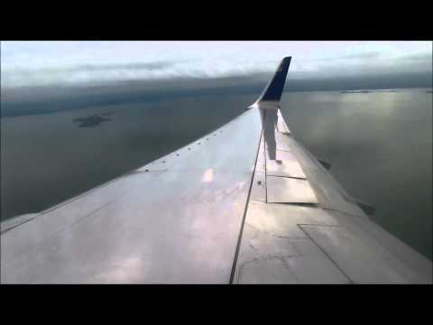 United 737-824 wet landing Belize