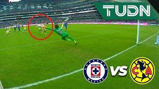 ¡Atajadón de Ochoa! ¡Era el quinto gol! | Cruz Azul 4 - 2 América | Liga Mx - AP 19 - J13 | TUDN
