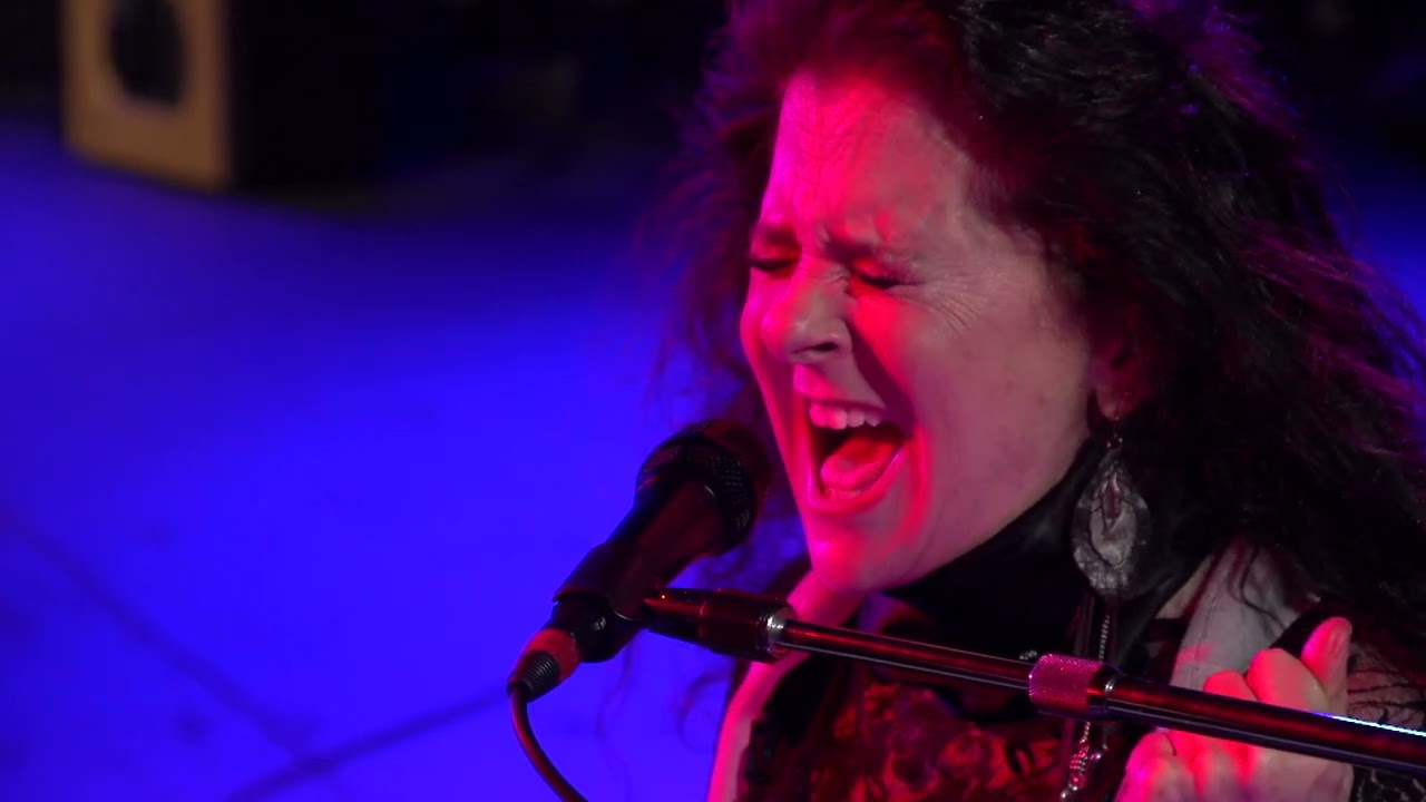 """Carolee Rainey Releases Live Video of """"Happier"""" by Ed Sheeran"""