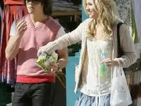 Chelsea Staub dating Joe Jonas