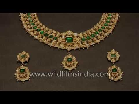 Jewellery making in India : Kundan and Meenakari enamel work