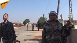 بالفيديو...الجيش السوري يحصن مواقعه قرب محردة بمساندة السكان