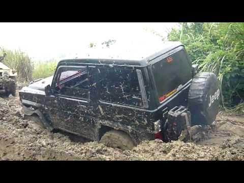 Daihatsu Taft Stucked @ Buah 2.mp4
