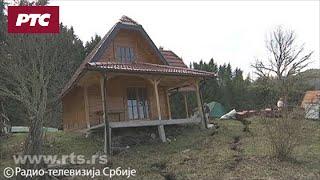 Tlo ne miruje oko Zaovinskog jezera, urušilo se dvadeset kuća