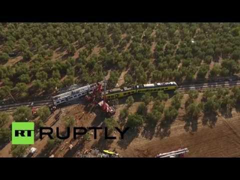 Беспилотник заснял последствия столкновения двух поездов в Италии