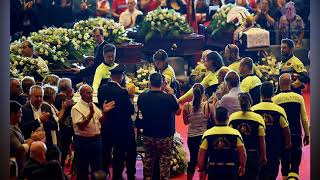 Fury at state funeral for 18 v ictims of Genoa bridge collapse
