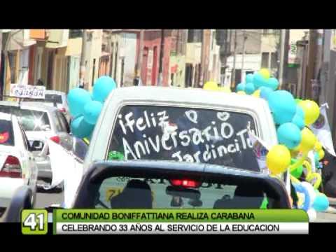 caravana de carros aleg211ricos por 33 aniversario de ie