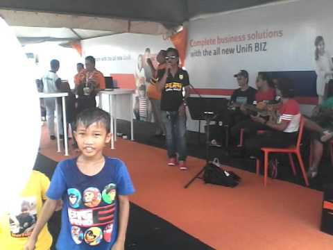 Potret-Akim-Cover Dee ft 30¢busking