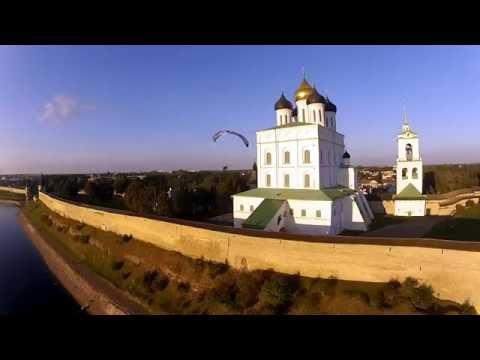 Pskov - the largest stone fortress in Europe. / Псков - крупнейшая каменная крепость в Европе.