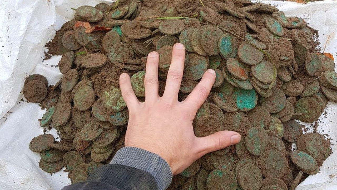 НевероЯтный клад! полный Чугун медных монет весом 50 килогра.