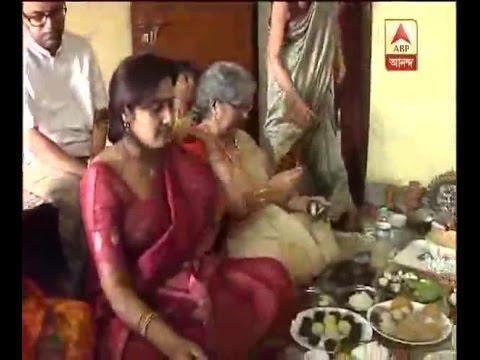 Laksmi Puja celebration In poet Srijato's home