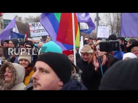 Hungary: Protests continue in Budapest against Orban's 'slav