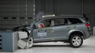 2009 Dodge Journey moderate overlap IIHS crash test