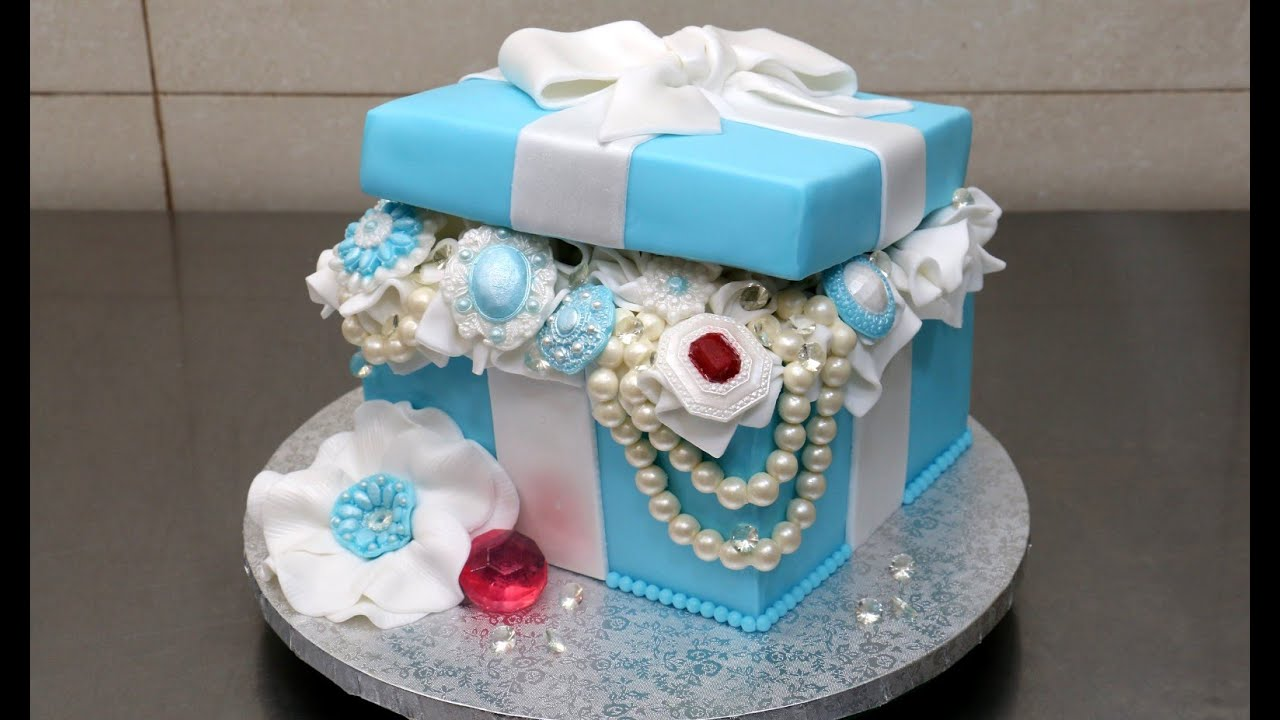 Tiffany gift box pearls and diamonds cake by cakesstepbystep youtube negle Image collections