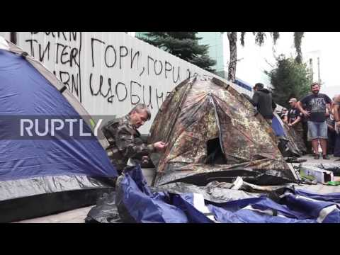 Ukraine: Protesters blockade Inter TV with tyres and tents in Kiev