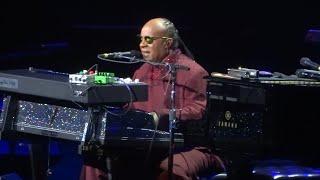 "Stevie Wonder ""Ordinary Pain"" Chicago IL 10-16-2015"