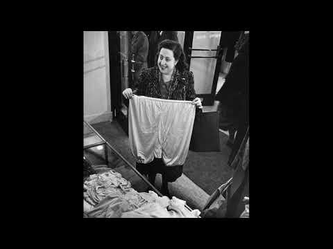 Ив Монтан и панталоны