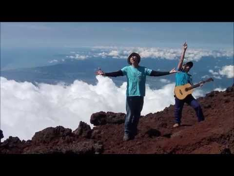 ヤマノススメ セカンドシーズンOP 「夏色プレゼント」を富士山 山頂で歌ってみた