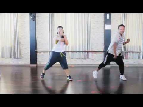 Zumba 'Closer By The Chainsmokers Ft. Halsey / Choreography Dwiky – Ft. Tika BFS Studio Sangatta