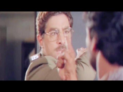 Chiranjeevi & Dalip Tahil fight at Police Station, Aaj Ka Goonda Raaj - Scene 5/15