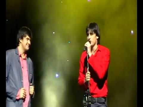 Dima Koldun speaks at his brother Georgij Koldun's concert ...