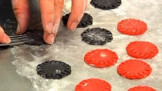 Edible Cake Decorations Of Poker Chips : Cake Decorating