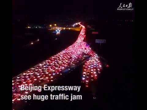 Beijing expressway in an incredible traffic jam as national holiday wraps up