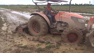 trator kubota - M6040SU,  attachments, farm machines at work, plowing and blowing