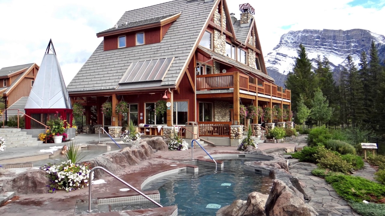 breathtaking scenery at hidden ridge resort in banff. Black Bedroom Furniture Sets. Home Design Ideas