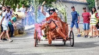 Cifuentes celebra su popular carrera de los autos locos