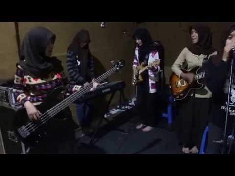 Sind3ntosca - Kepompong (Cover by: AM Band Smanesa Trenggalek)