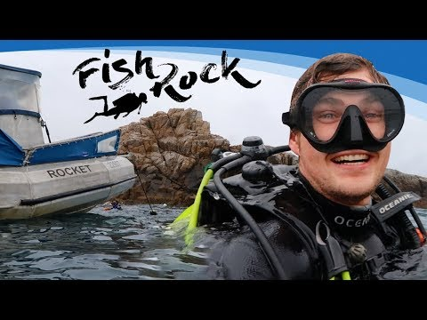 Fish Rock Scuba Diving: South West Rocks, NSW Australia - Exploring An Underwater Cave!
