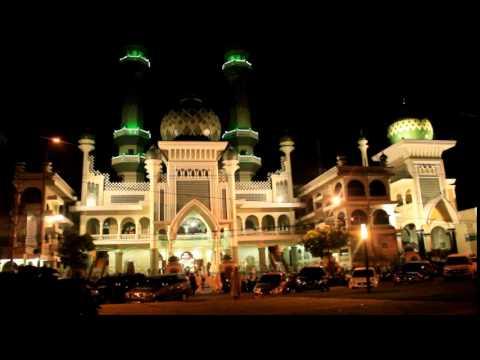 Adzan subuh di Masjid Agung Kota Malang Jawa Timur