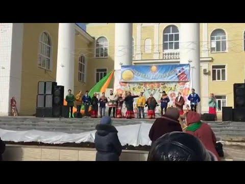 В Жирновске масленичными гуляньями проводили зиму