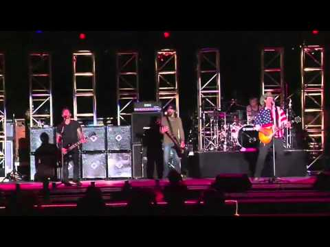 Ted Nugent-Godsmack -Cat Scratch Fever Live Rockin' The Corp