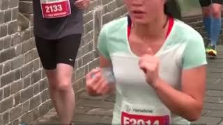 感受5164级台阶的奇虐赛道 黄崖关长城马拉松开跑