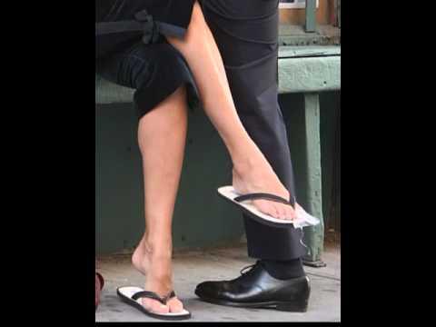 Uma Thurman Feet & Legs (Close-Up)
