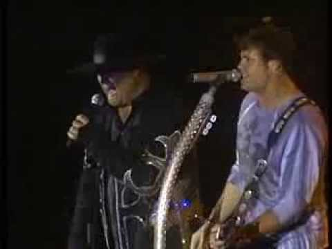 MONTGOMERY GENTRY Thank God I'm A Country Boy 2010 Live
