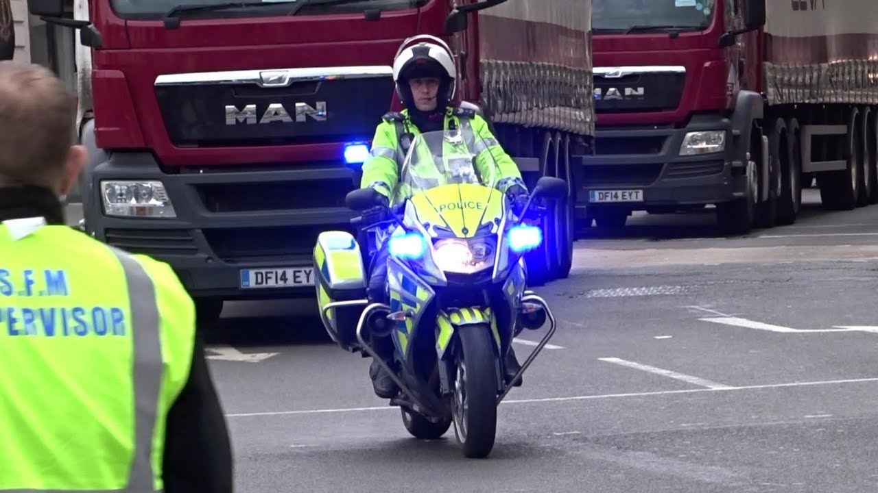 London Marathon Police Escorts - Police Bikes, Lorries and Action!