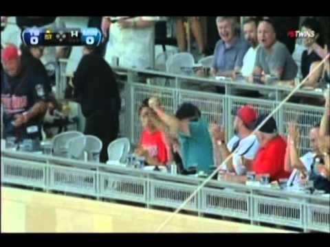 Chris Pajak catches ball bare handed in the Metrop...
