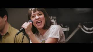 Meg Myers - Numb (LIVE) stripped down set in the Point Lounge Resimi