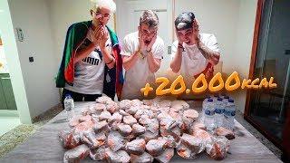 NOS COMEMOS 20.000 KCAL EN HAMBURGUESAS EN 10 MINUTOS 😱 **RETO DE COMIDA MCDONALS** [Salva]