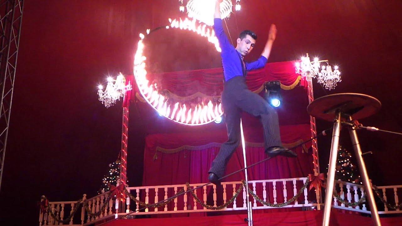 Circo Nando Orfei Duo Sean Peres Equilibristi Sul Filo Salto Nel Cerchio Di Fuoco