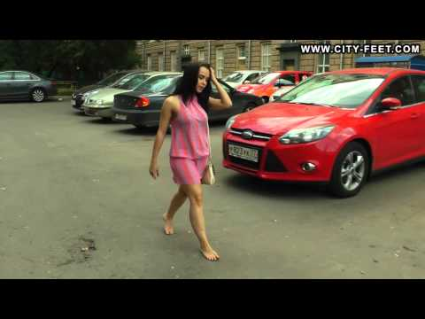 City-Feet.com - A tiny barefoot girl - Olga [1]
