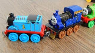 Поезда - Раджив - Распаковка игрушек Томас и друзъя Видео для детей про машинки игрушки
