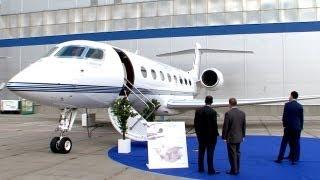 Un avión vip inteligente y otros protagonistas de la exposición JetExpo 2013 en Moscú