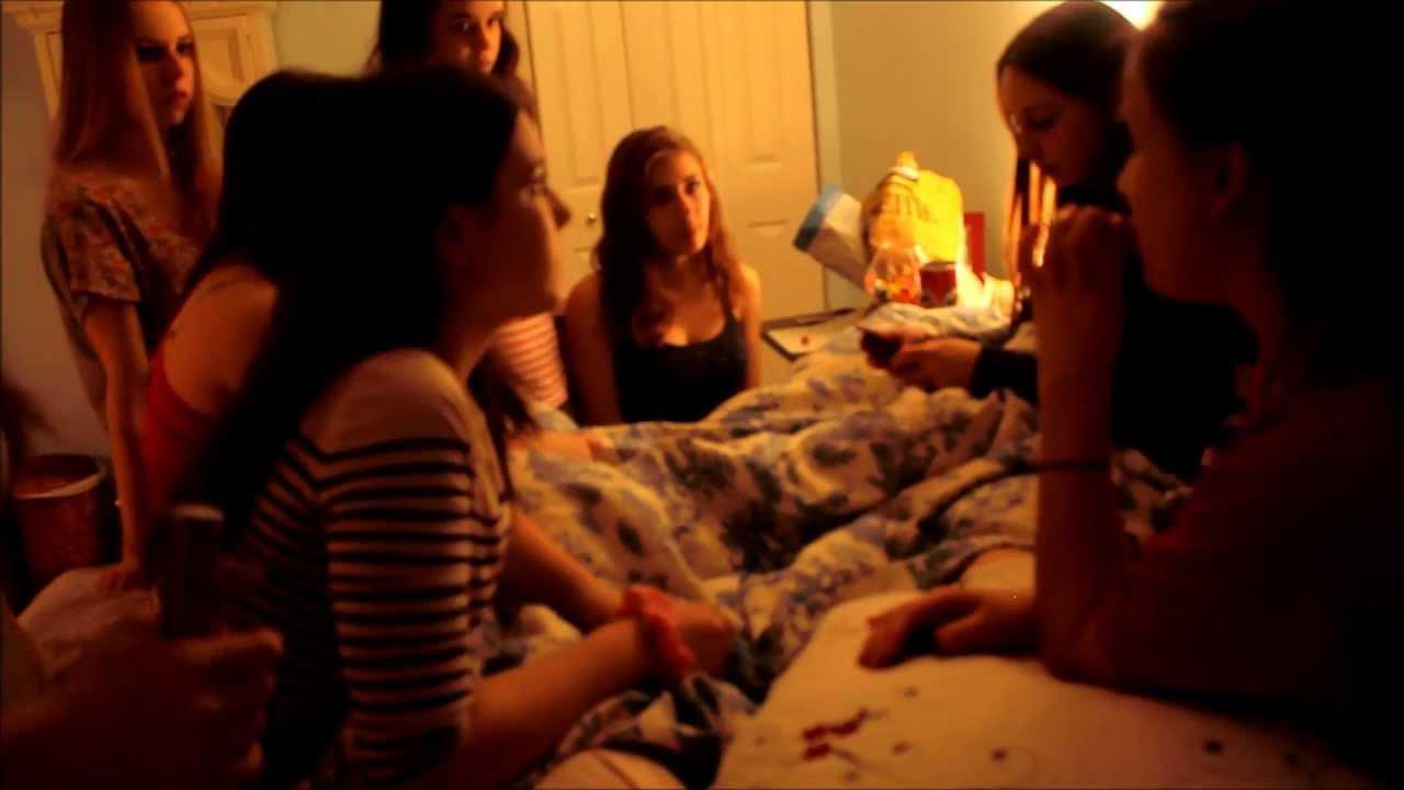 Film d 39 horreur youtube for Miroir film horreur