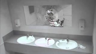 «Шок в туалете бара»
